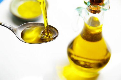 Миниатюра к статье Польза льняного масла при запоре: как принимать, отзывы