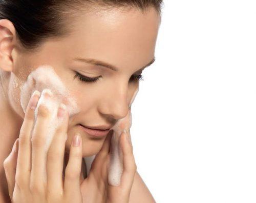 Миниатюра к статье Как сделать пилинг с хлоридом кальция и детским мылом в домашних условиях