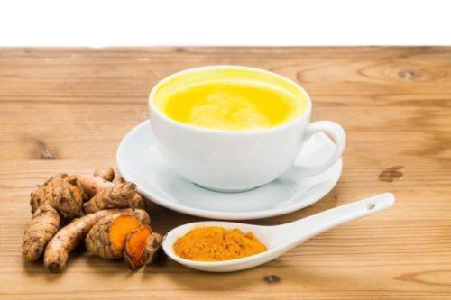 Миниатюра к статье Лимонная вода с куркумой — простой способ очистить организм и улучшить здоровье