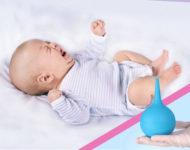 Миниатюра к статье Как самостоятельно дома сделать клизму грудничку