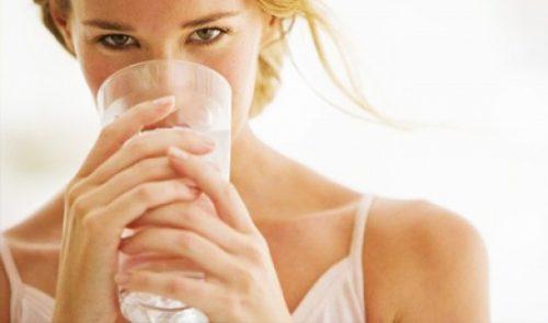 Пьем воду, очищаем организм