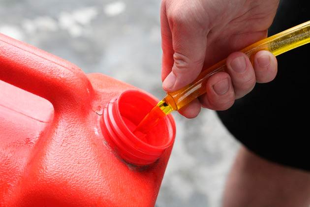 отравление бензином (при попадании в желудок)