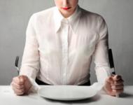 Миниатюра к статье Что происходит с организмом при голодании: последствия
