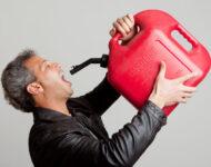 Миниатюра к статье Отравление бензином: симптомы и очистка организма