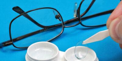 Миниатюра к статье Почему контактные линзы лучше, чем очки?