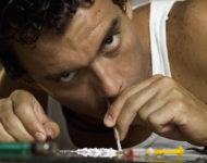 Миниатюра к статье Вред амфетамина: сколько держится в организме, последствие употребления, лечение